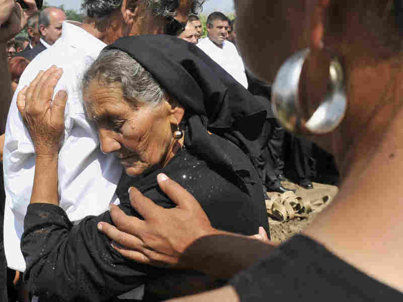 roma woman mourning.jpg